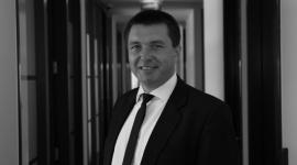 Outsourcing nakręca polską gospodarkę BIZNES, Firma - Wyrastający na gwiazdę polskiej gospodarki - sektor nowoczesnych usług dla biznesu - wpływa także na rozwój innych dziedzin rynku