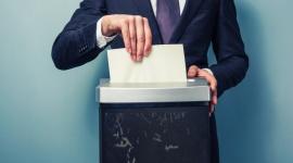 """Zero papieru w biurach – czy to możliwe w polskich firmach? BIZNES, Firma - Z raportu """"Bezpieczeństwo Informacji w Polsce 2015"""" wynika, że co trzeci przedsiębiorca w Polsce zauważa większe zużycie papieru w swojej firmie. Dlaczego w czasach technologii cyfrowych w biurach zużywa się tak dużo papieru i jak to ograniczyć? Oto 10 sposobów."""