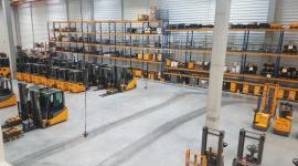 Jungheinrich Polska rośnie. Nowa lokalizacja katowickiego oddziału firmy BIZNES, Firma - Jungheinrich, światowy dostawca kompleksowych usług dla logistyki wewnątrzmagazynowej, zmienił lokalizację katowickiego oddziału. Od 13-go sierpnia 2018 mieści się on w Piekarach Śląskich, przy ul. Jana Frenzla 5