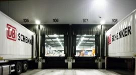 DB Schenker zwiększa bezpieczeństwo BIZNES, Firma - DB Schenker planuje za pomocą innowacyjnego systemu przyspieszyć proces szkolenia kierowców wózków widłowych i poprawić bezpieczeństwo.