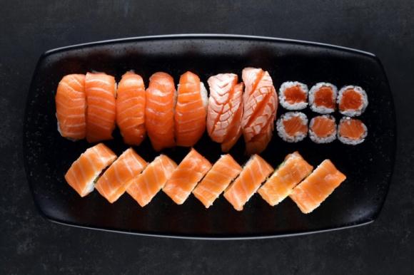 Sushi się demokratyzuje BIZNES, Firma - Zawiercie, Grudziądz, Gniezno, Szczecin, Stargard – pięć nowych restauracji to bilans pierwszego półrocza w największej polskiej sieci franczyzowej sushi barów Koku Sushi. W najbliższych miesiącach ruszą jeszcze lokale w Olsztynie i Lesznie.
