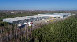 BIK sprzedał magazyny w Sosnowcu za 15,2 mln euro BIZNES, Firma - Biuro Inwestycji Kapitałowych sfinalizowało sprzedaż części Śląskiego Centrum Logistycznego w Sosnowcu obejmującego trzy budynki magazynowe. Nabywcą został fundusz Exeter Property Group poprzez spółkę celową MIR Poland. Kwota transakcji wyniosła ponad 15,2 mln euro netto.
