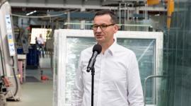 Premier Morawiecki gościem DRUTEXU BIZNES, Firma - 24 sierpnia br. Premier Mateusz Morawiecki odwiedził siedzibę firmy DRUTEX S.A. – wiodącego producenta stolarki okiennej w Europie. Szef rządu w trakcie swojej wizyty podkreślał innowacyjność produktów oraz skalę działalności firmy.