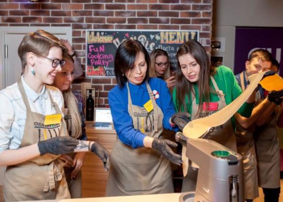 CulinaryOn – międzynarodowa kulinarna marka debiutuje w Polsce BIZNES, Firma - CulinaryOn to największe studio kulinarne w Azji i Europie oraz wyjątkowy gastronomiczny plac zabaw, który zapewnia niezapomniane emocje na eventach dla sektora B2B oraz klientów indywidualnych.