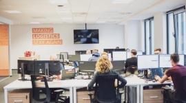 5 kluczowych czynników przy wyborze biura BIZNES, Firma - We Wrocławiu przybywa powierzchni biurowych. Na rynku pojawiają się nowoczesne rozwiązania, takie jak elastyczne powierzchnie serwisowane. Na takie biura decyduje się coraz więcej firm. Na co zwrócić uwagę przy wyborze?