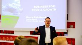 Liderzy przyszłości uczyli się zarządzać globalną firmą na P&G CEO Challenge BIZNES, Firma - Studenci z Polski i krajów bałtyckich mieli okazję przekonać się, że zarządzanie firmą docierającą każdego dnia do blisko 5 miliardów konsumentów to ogromne wyzwanie, ale i satysfakcja.