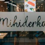 Mihiderka zamknięta do odwołania, jedzeniem dzieli się z innymi