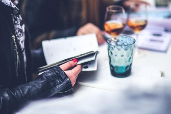 Czego oczekują uczestnicy od programów lojalnościowych? BIZNES, Firma - Polacy chętnie uczestniczą w rozmaitych programach lojalnościowych. A wybór jest ogromny – coraz więcej firm oferuje programy przeznaczone dla konsumentów, ale także dla pracowników oraz dla kontrahentów.