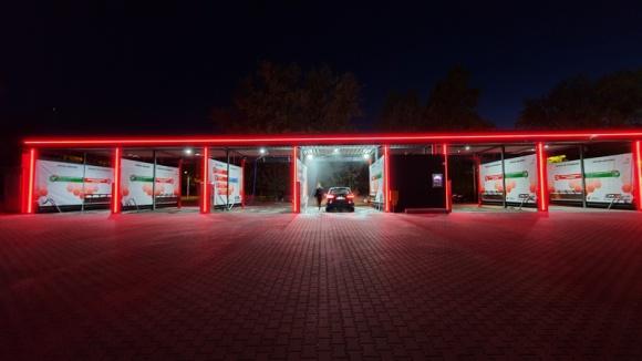 Myjnia samochodowa – pomysł na własny, dochodowy biznes BIZNES, Firma - Pod koniec ubiegłego wieku posiadanie własnego samochodu było luksusem.