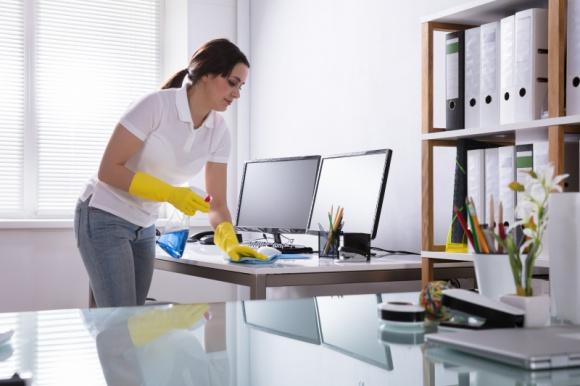 Jak utrzymać czystość i skutecznie zdezynfekować biuro? BIZNES, Firma - W aktualnej sytuacji epidemicznej zachowanie wysokich standardów czystości i sterylności przestrzeni biurowej jest szczególnie ważne.
