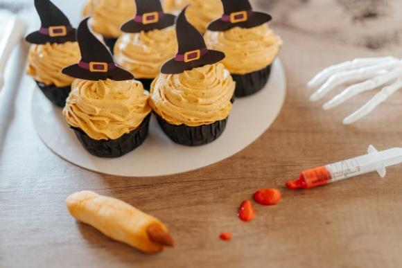"""Straszny i słodki """"Palec wiedźmy"""" BIZNES, Firma - W tym dziwnym roku czas Halloween i polskich zaduszek też zapowiada się inaczej."""
